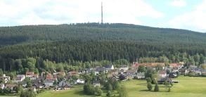 Bischofsgrün mit dem Ochsenkopf (Foto: Simone Werner-Ney)