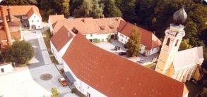 Eggenfelden, SchlossÖkonomie