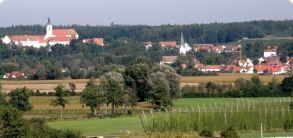 Hohenwart mit Klosterberg (Foto: Ernst Petz)